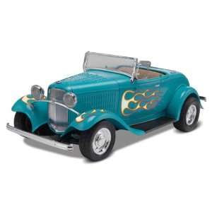 Revell Monogram 1/24 1932 Ford Street Rod Kit Toys & Games
