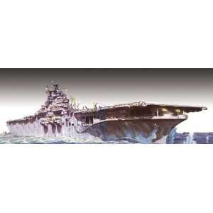 USS Yorktown WWII USN Aircraft Carrier (Plastic Models) Toys & Games